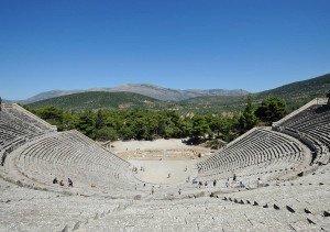 antichnyiy-teatr-v-Epidavre-ostrov-Peloponnes-Gretsiya