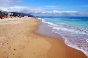 zolotye-peski-more