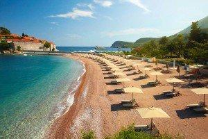 отдых на пляже Черногоии
