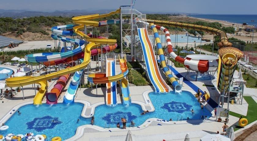 Отель с аквапарком в Турции